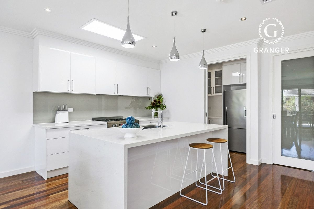 43 Seaview Avenue, Safety Beach VIC 3936, Image 2