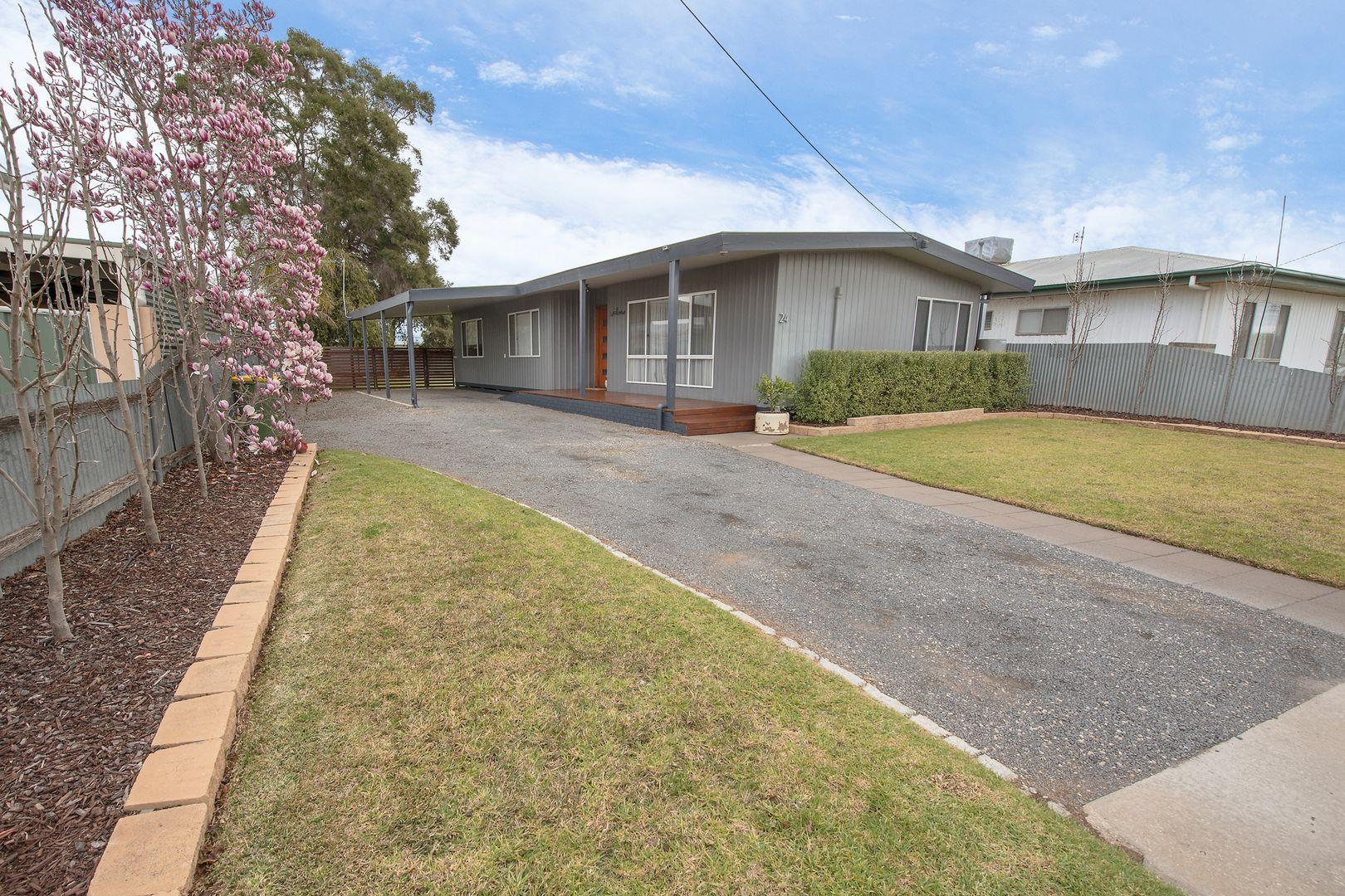 24 Douglas Avenue, Swan Hill VIC 3585, Image 0