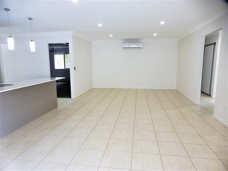17 Barak St , Pimpama QLD 4209, Image 2