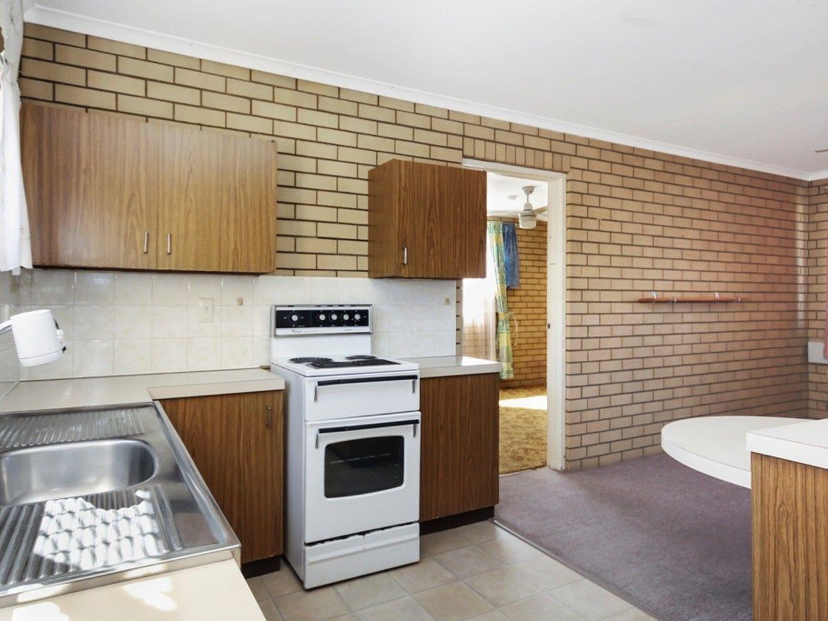 1/8 South Street, Ipswich QLD 4305, Image 2