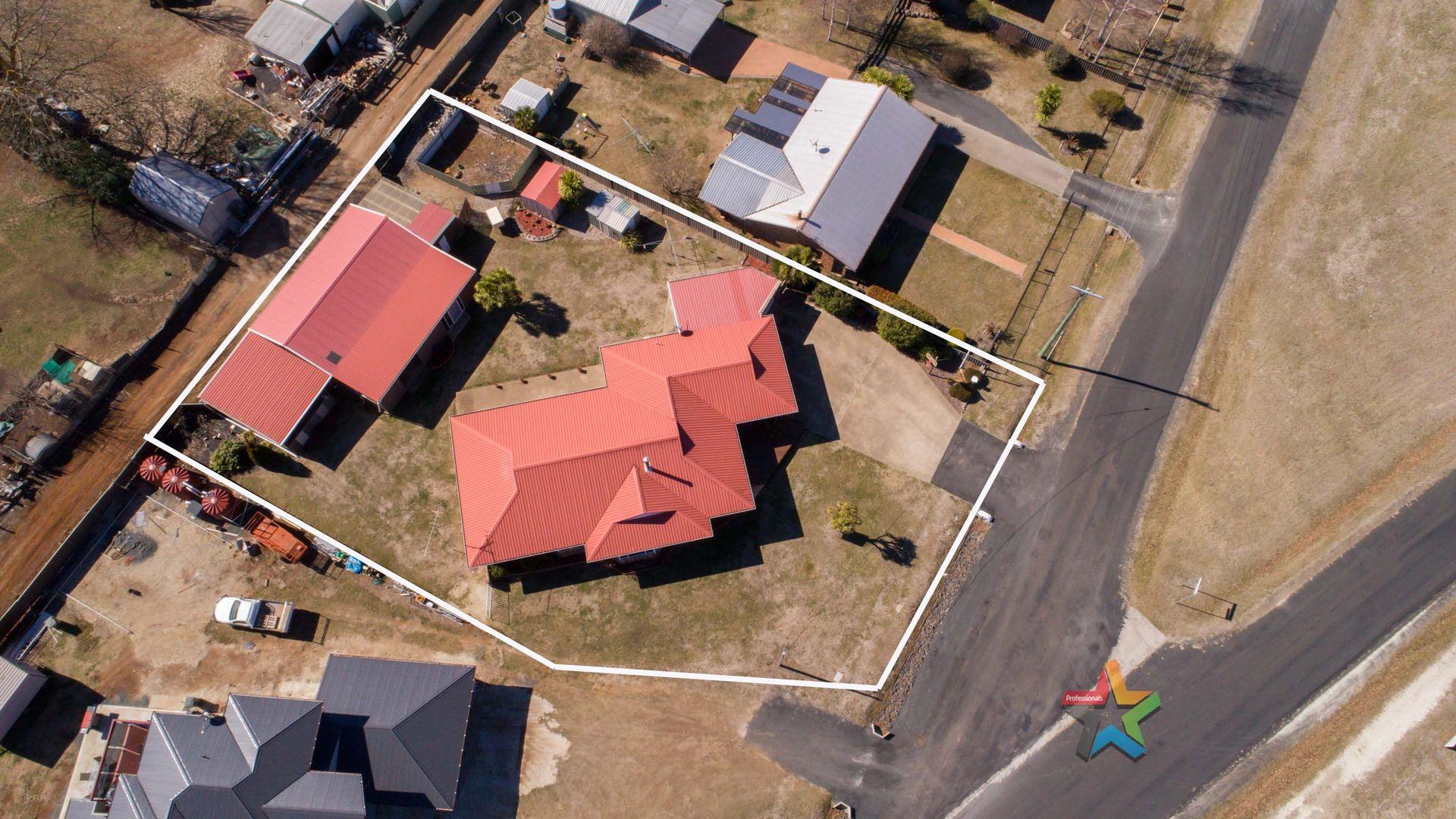 27 Nincoola Street, Guyra NSW 2365, Image 1