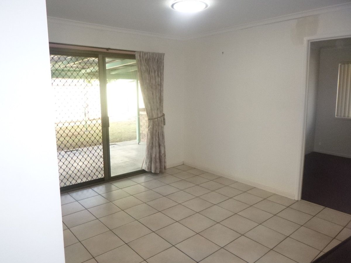 31 Springfield Crescent, Daisy Hill QLD 4127, Image 2