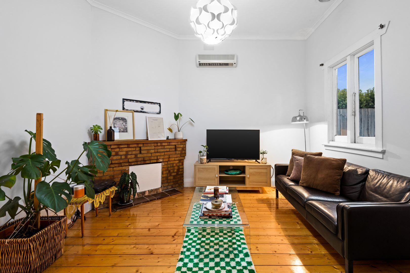 88 Waratah Street, Geelong West VIC 3218, Image 2