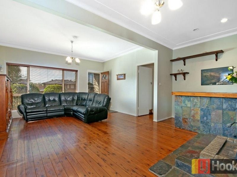 6 Harvey Place, Toongabbie NSW 2146, Image 2