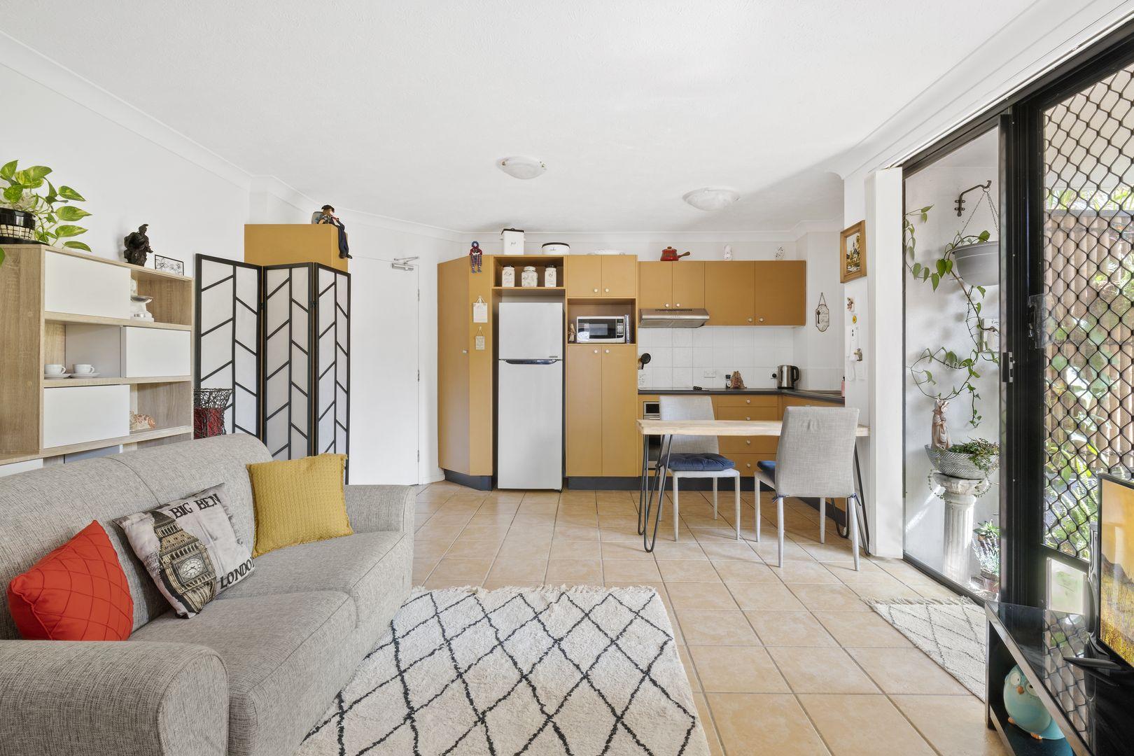 3/15 Britannia Avenue, Broadbeach QLD 4218, Image 1