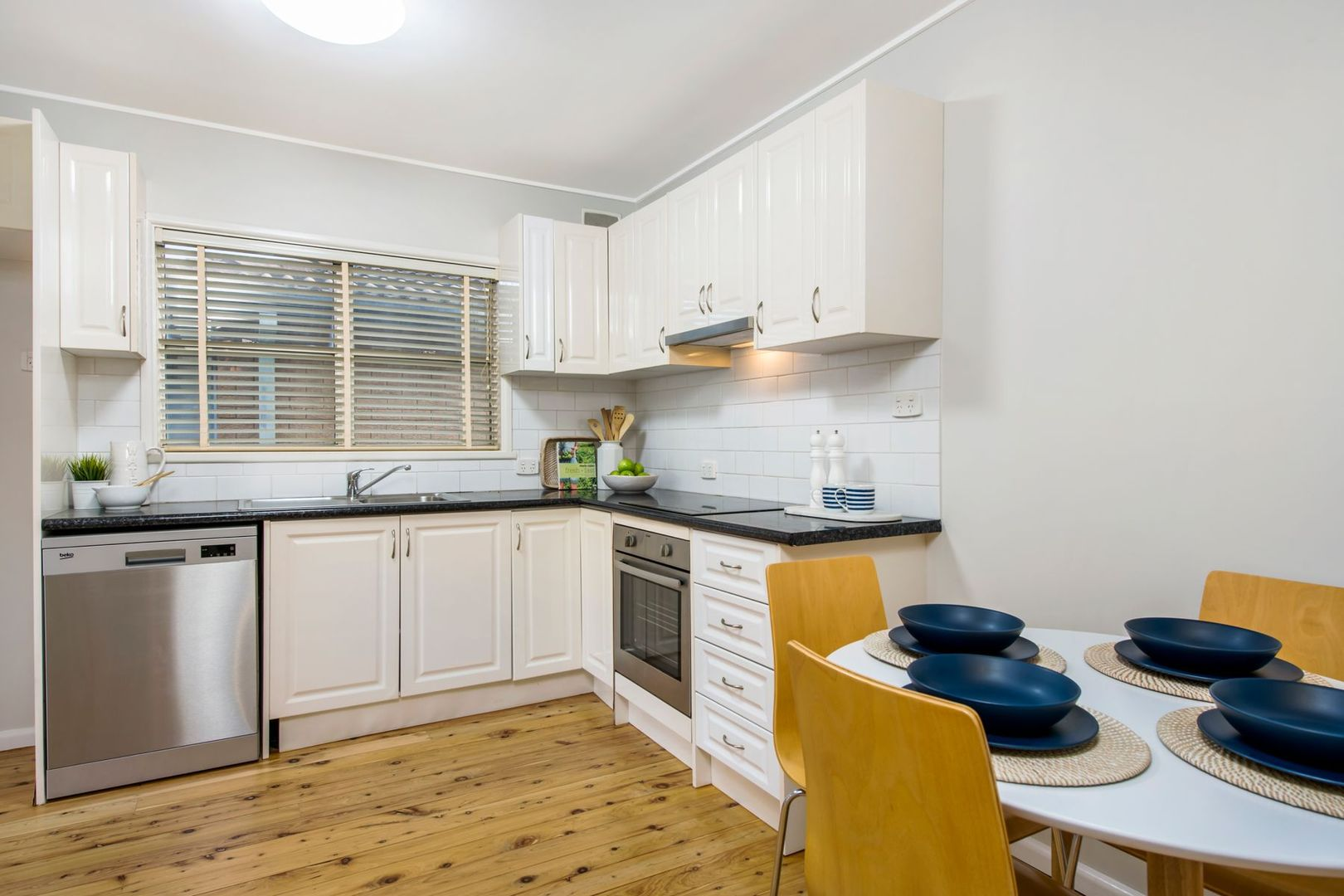 80 Hume Boulevard, Killarney Vale NSW 2261, Image 2