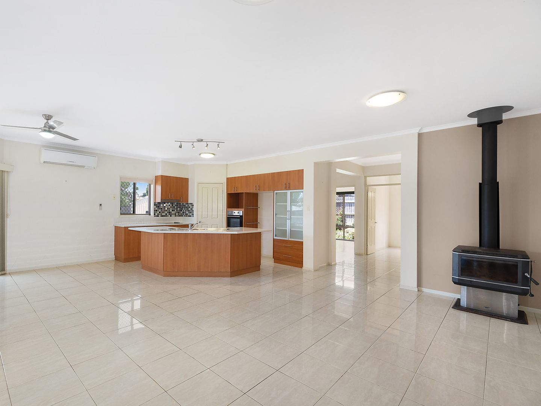 6 Currawong Drive, Highfields QLD 4352, Image 2