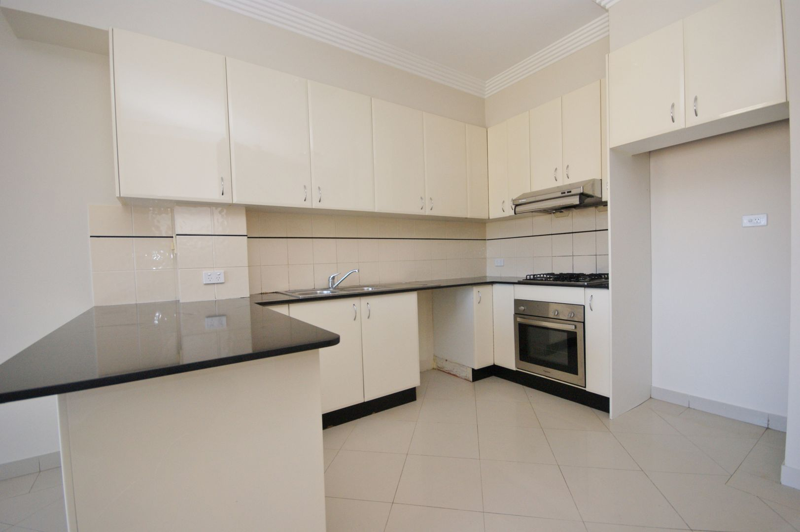 7/335-339 Blaxcell St, Granville NSW 2142, Image 2