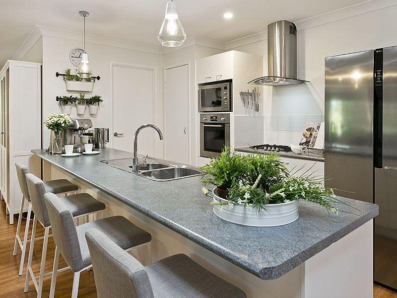 26 Ferndale Place, Upper Kedron QLD 4055, Image 2