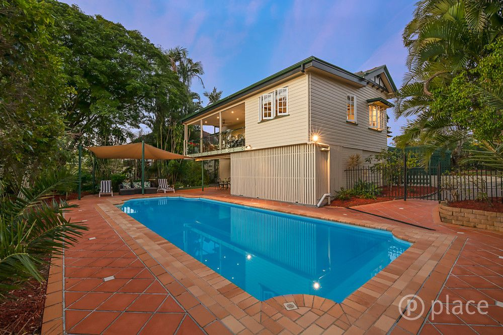 40 Pinecroft Street, Camp Hill QLD 4152, Image 2