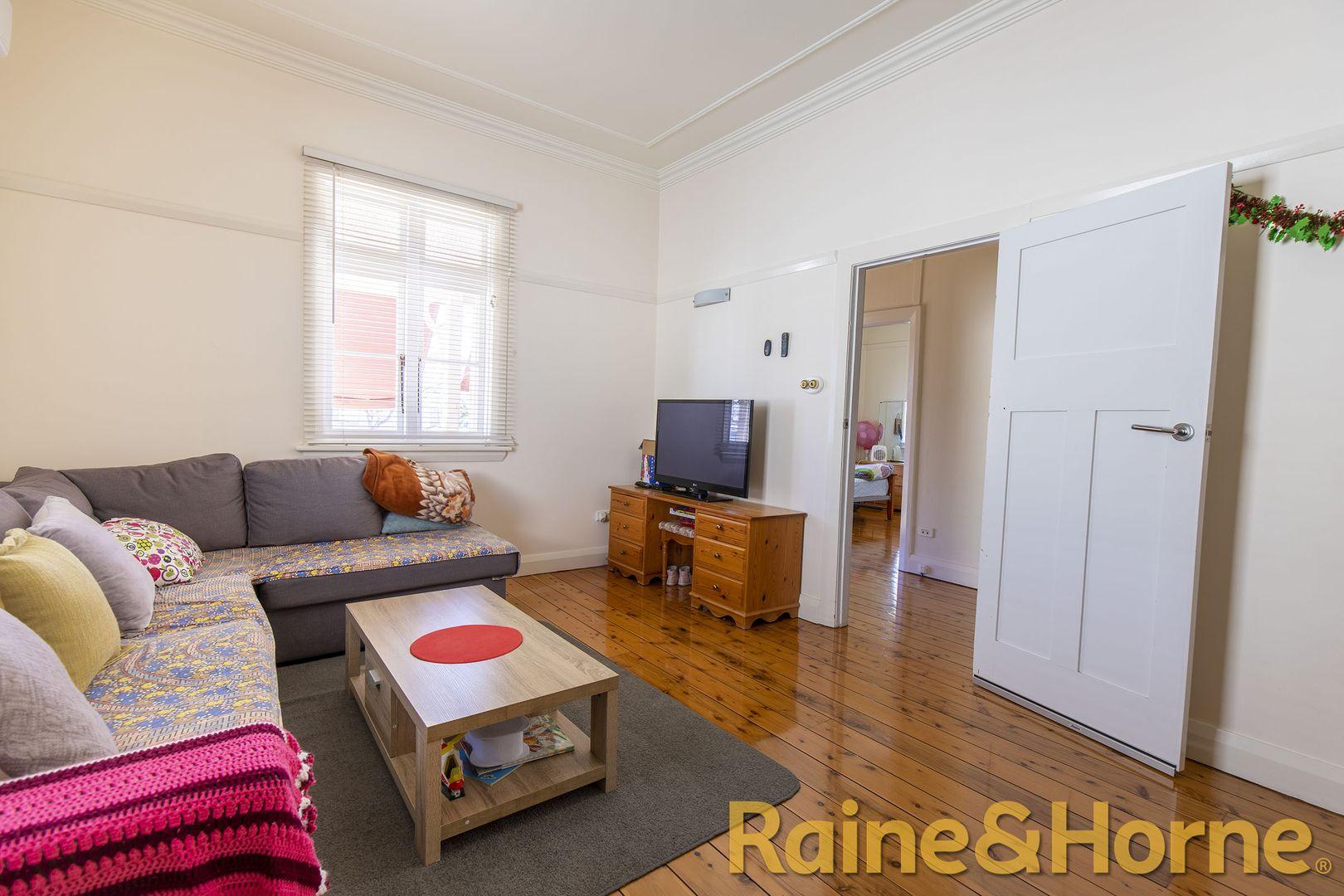 12 Jubilee Street, Dubbo NSW 2830, Image 1