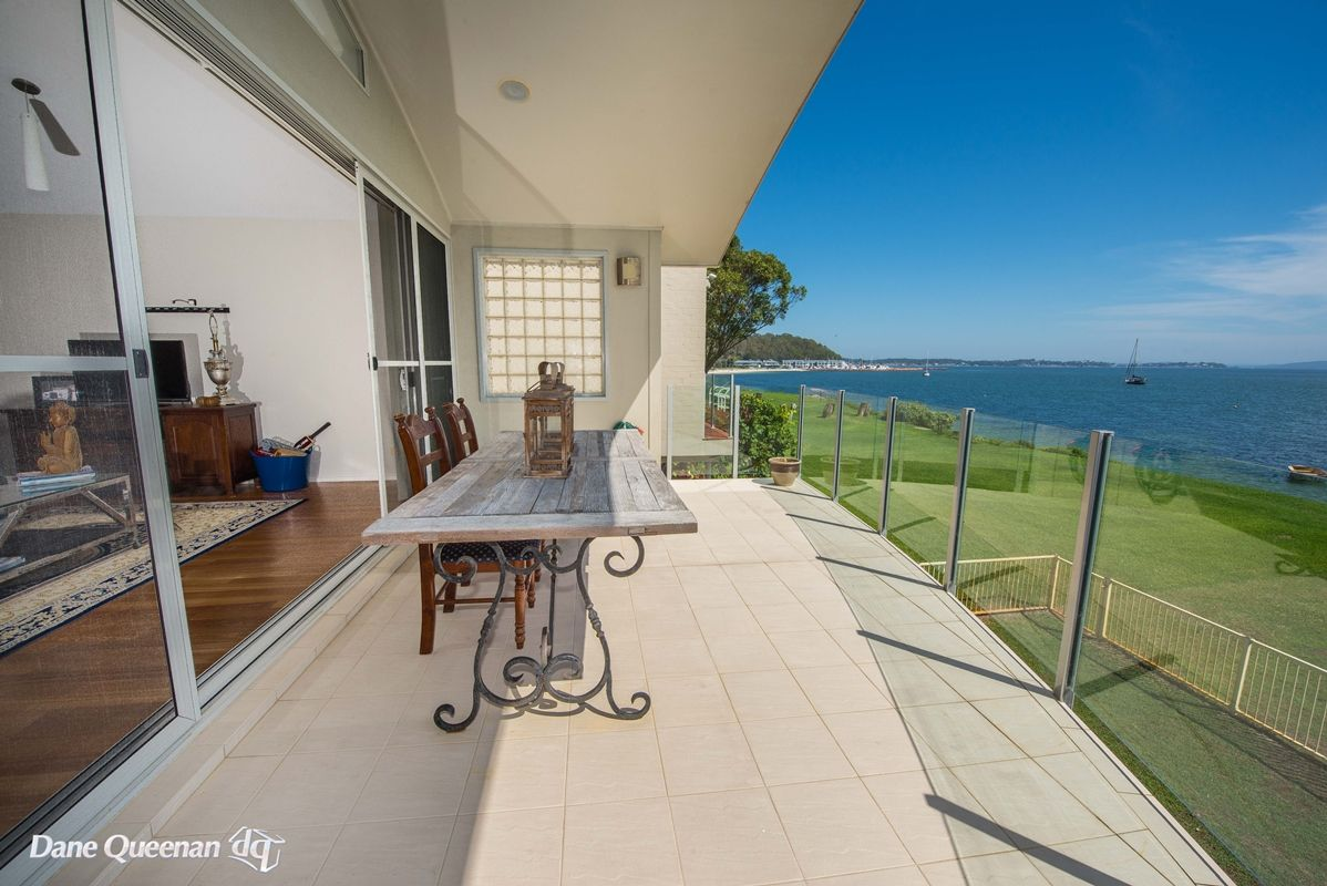 52a Sandy Point Road, Corlette NSW 2315, Image 2
