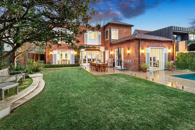 Picture of 13 Stradbroke Avenue, TOORAK VIC 3142