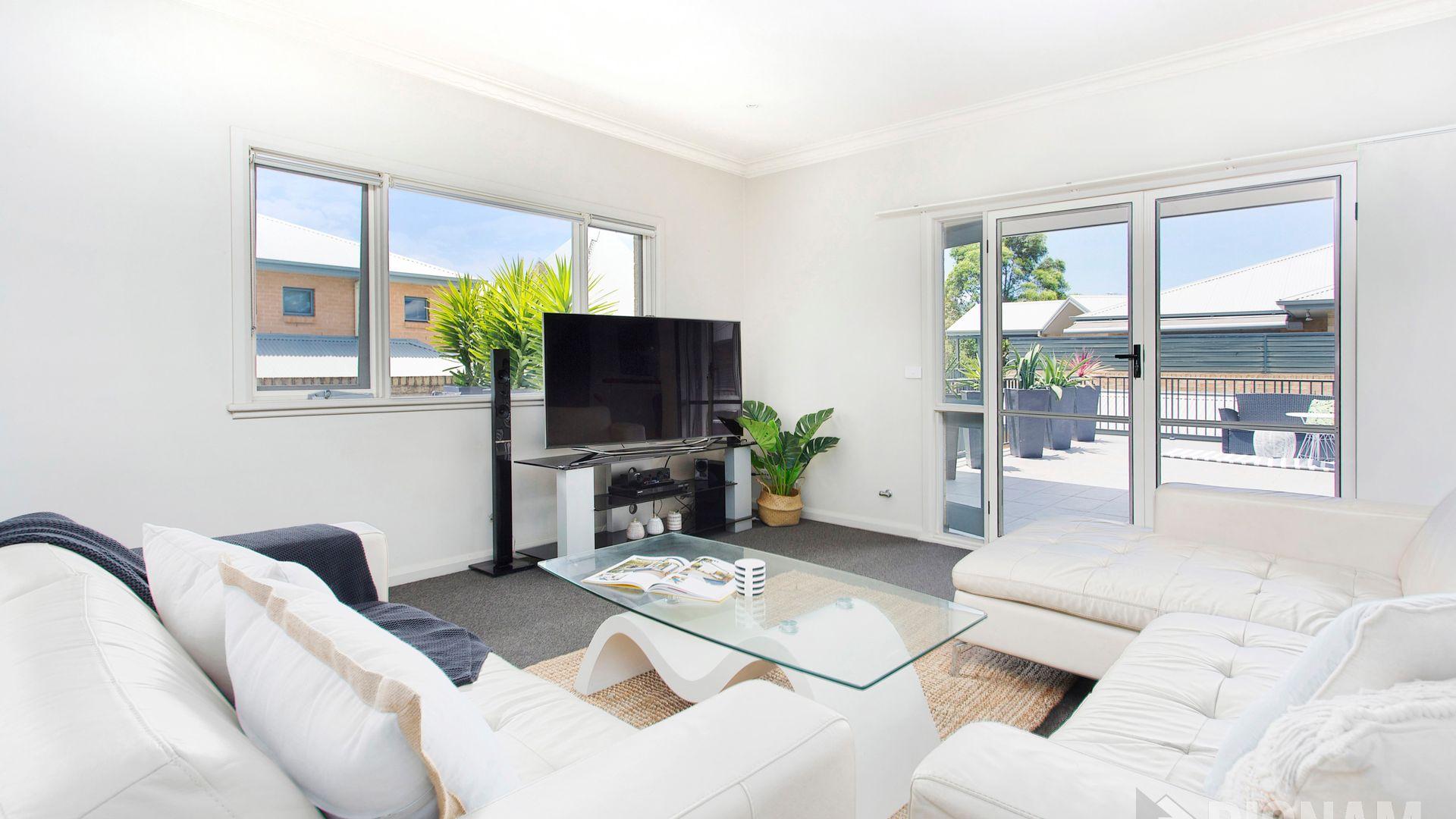 2/2c Lachlan  Street, Thirroul NSW 2515, Image 2
