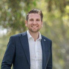 Tom Kurtschenko, Director