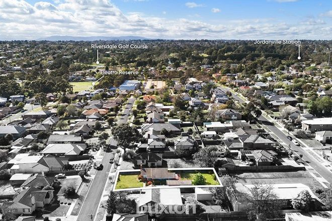 Picture of 4 Railway Avenue, ASHWOOD VIC 3147