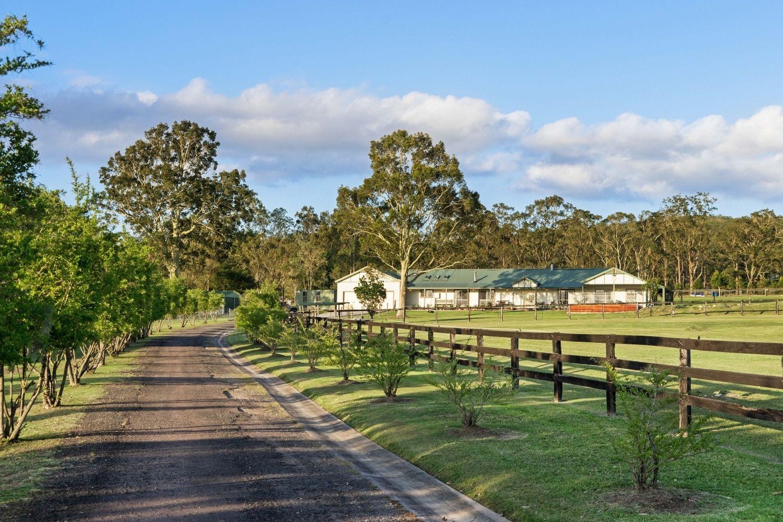 11 Reynolds Close, Duns Creek NSW 2321, Image 2