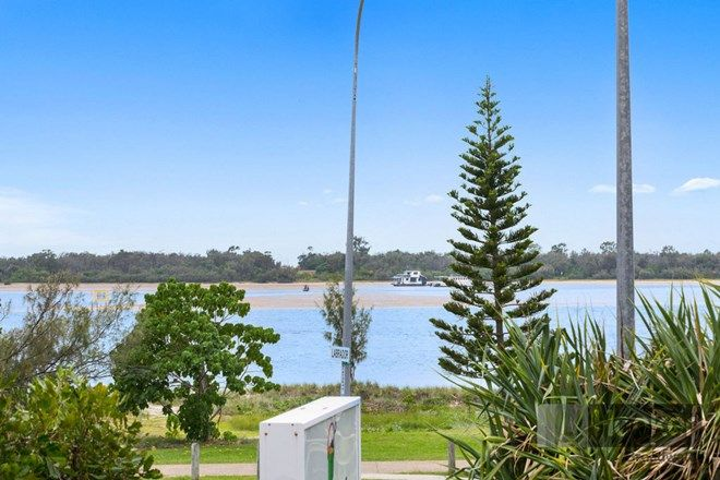 Picture of 225/392 Marine Parade, LABRADOR QLD 4215