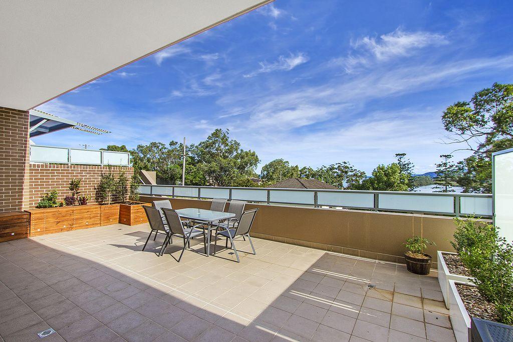 1/10-12 Batley Street, Gosford NSW 2250, Image 1