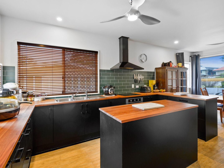 21 Bushing Street, Wynnum West QLD 4178, Image 2
