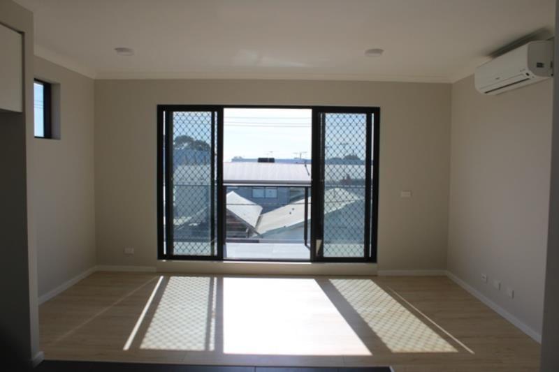 Apartment 8, 1B Victoria Street, Rippleside VIC 3215, Image 1