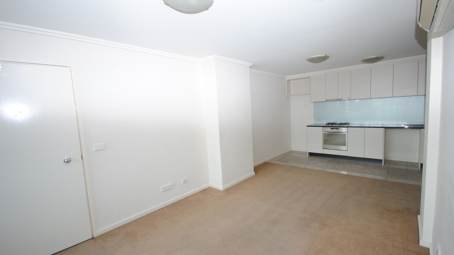 REF 06145/90 Kavanagh Street, Southbank VIC 3006, Image 1