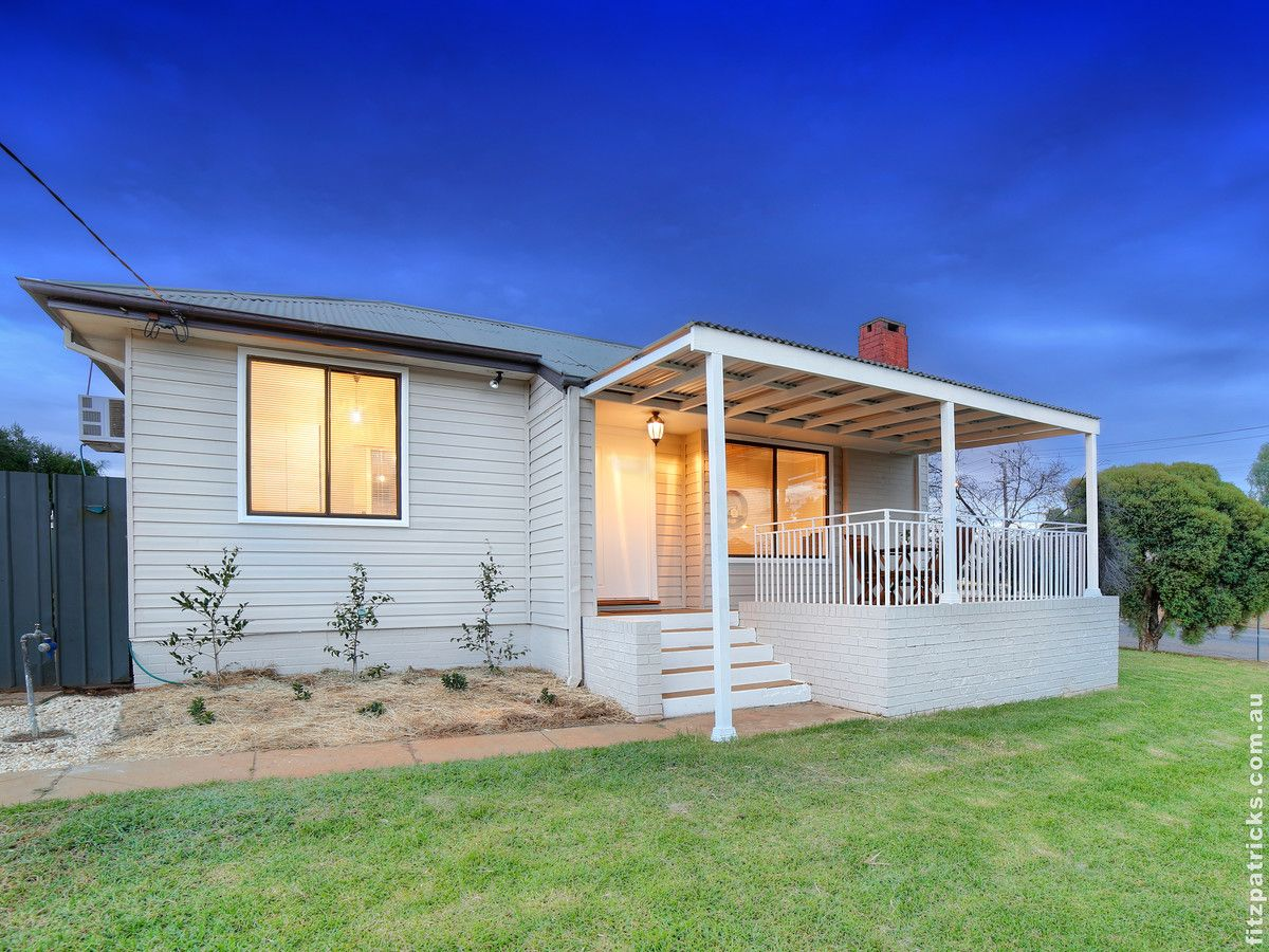 2 Phillip Avenue, Mount Austin NSW 2650, Image 0