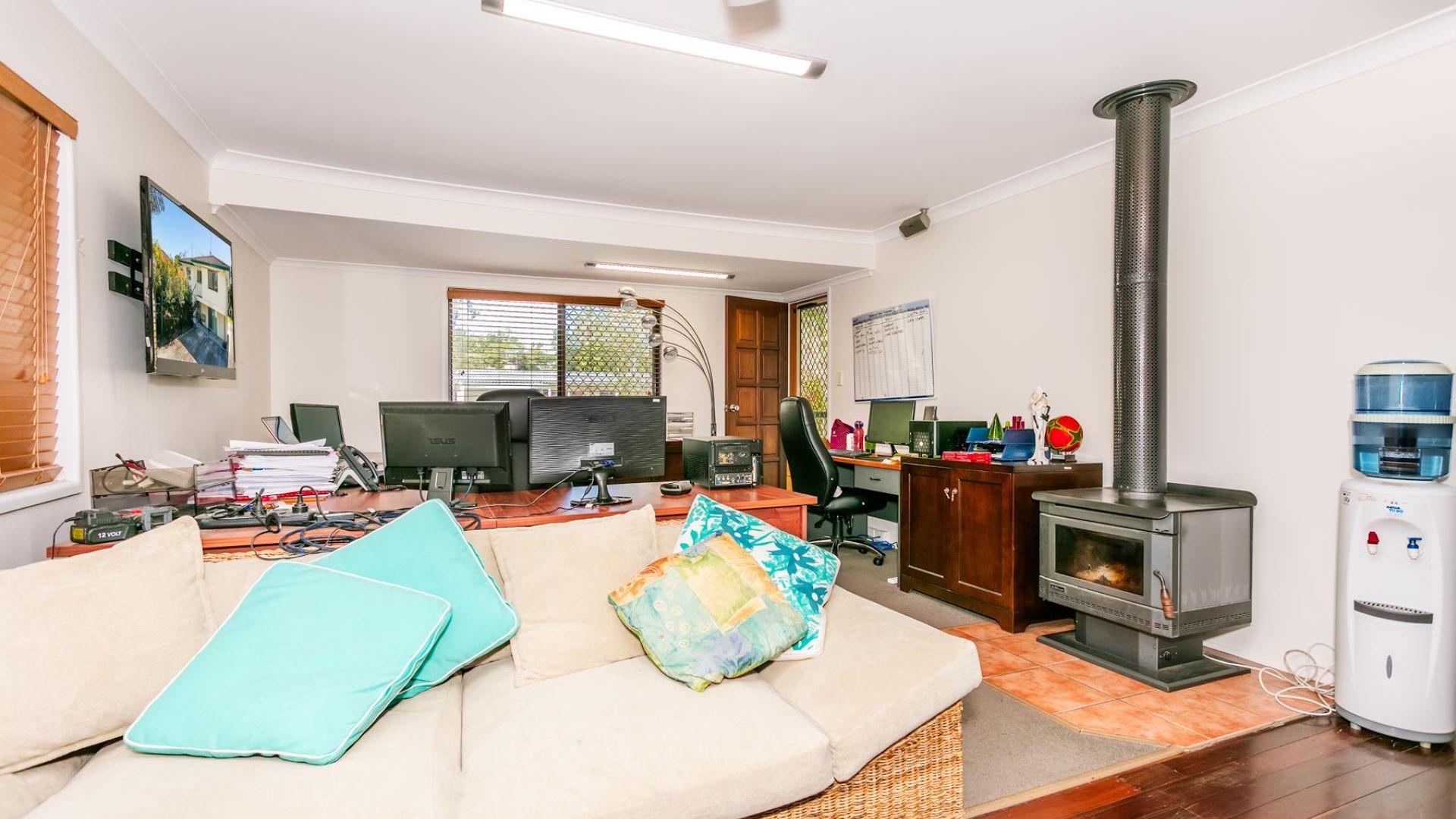 15 Ellen Street, Kingston QLD 4114, Image 1