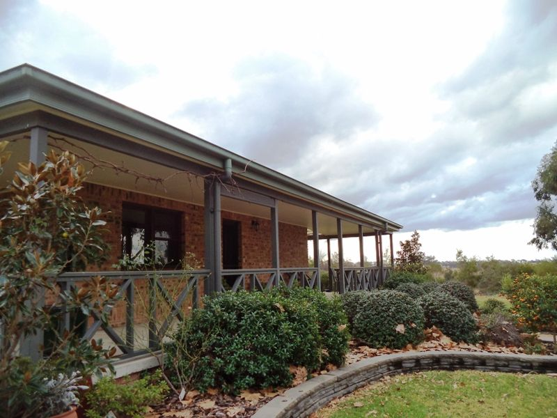 10 Oakland Lane, Inverell NSW 2360, Image 2