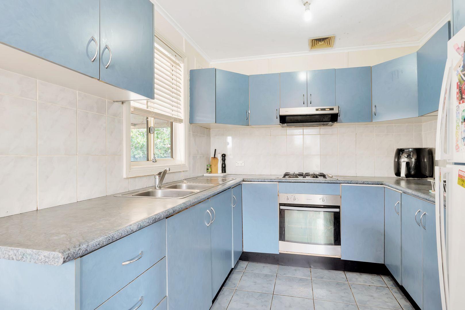 15 Tumbarumba Crescent, Heckenberg NSW 2168, Image 2