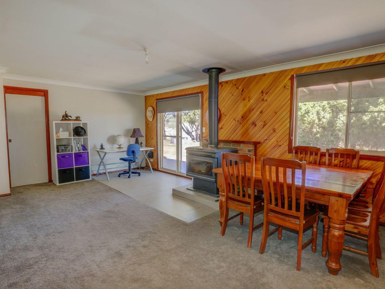 591 Wrens Nest Road Porters Retreat, Oberon NSW 2787, Image 2