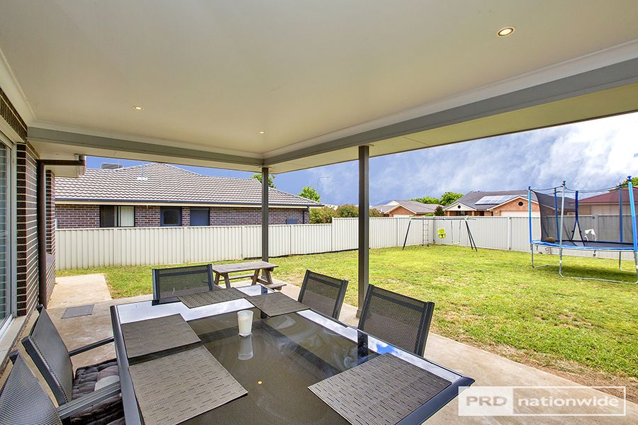 24 Hibiscus Way, Tamworth NSW 2340, Image 1