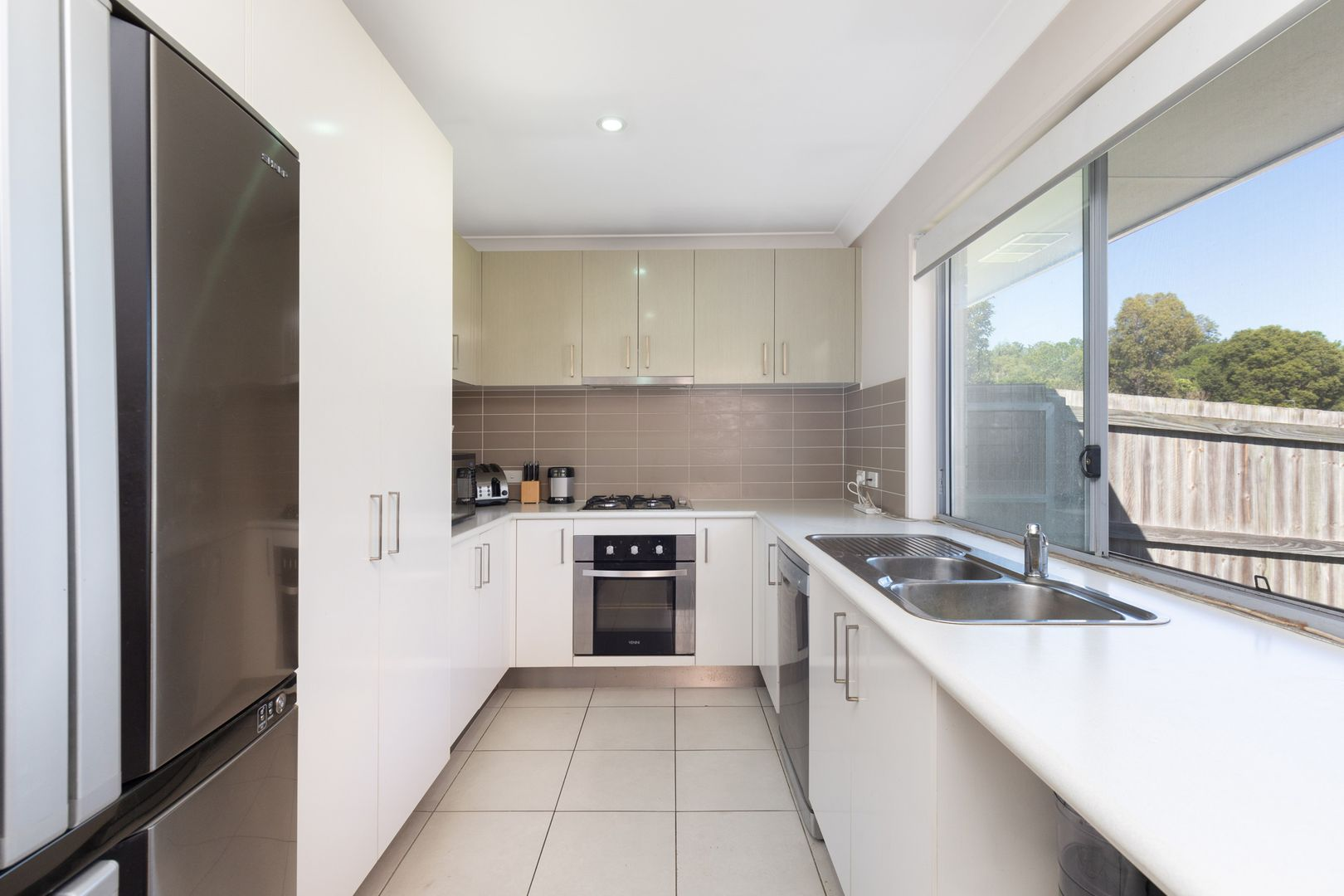 5 Morgan Circuit, Urraween QLD 4655, Image 2