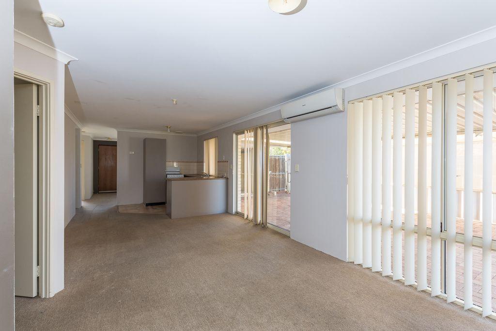 27 Reseda Elbow, Banksia Grove WA 6031, Image 2