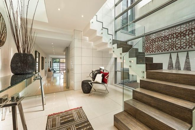 Picture of 55 Fairbairn Road, TOORAK VIC 3142