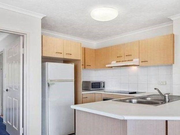 19/3 Anembo Street, Chevron Island QLD 4217, Image 0
