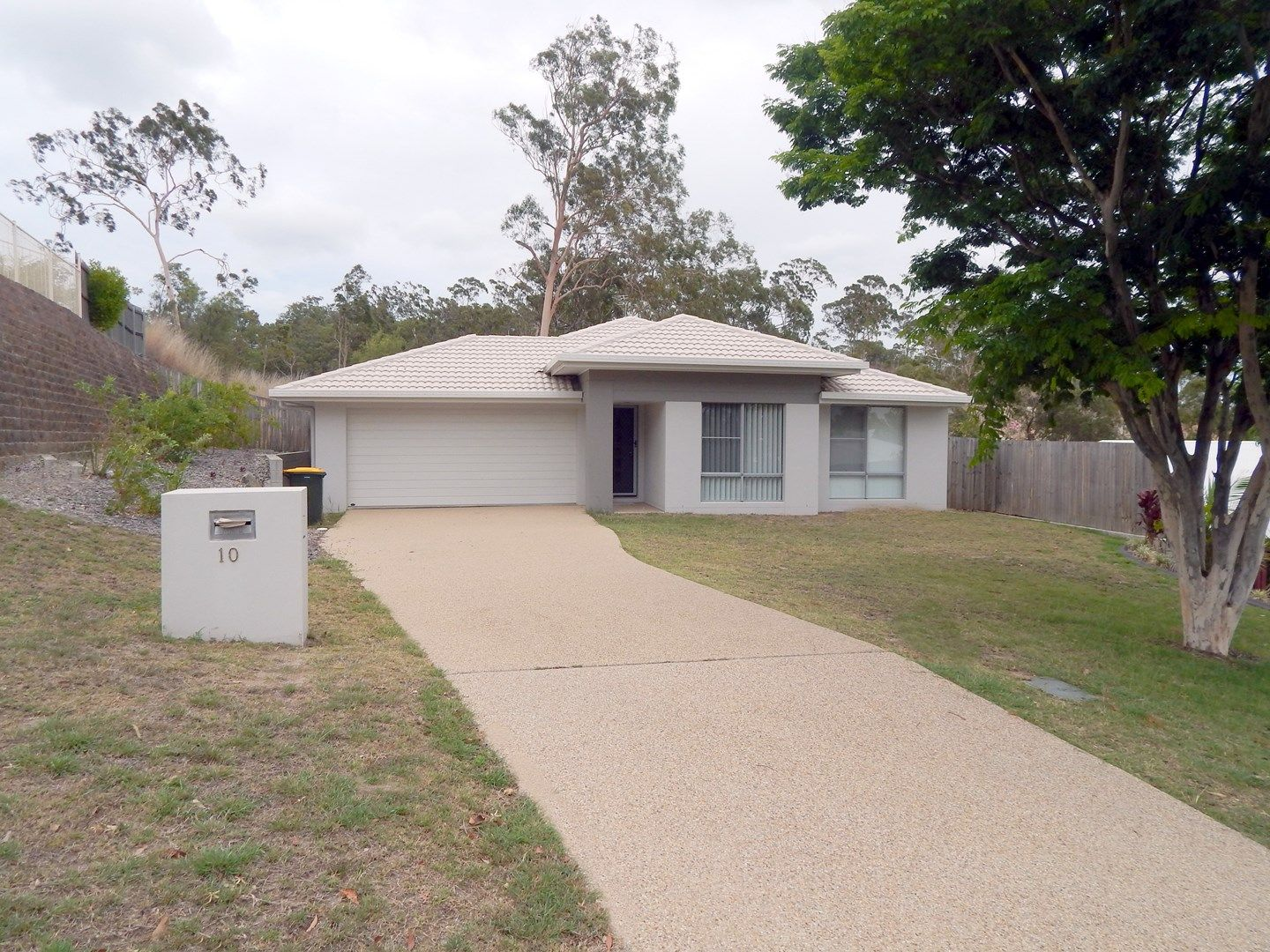 10 Llewellyn Close, Clinton QLD 4680, Image 0