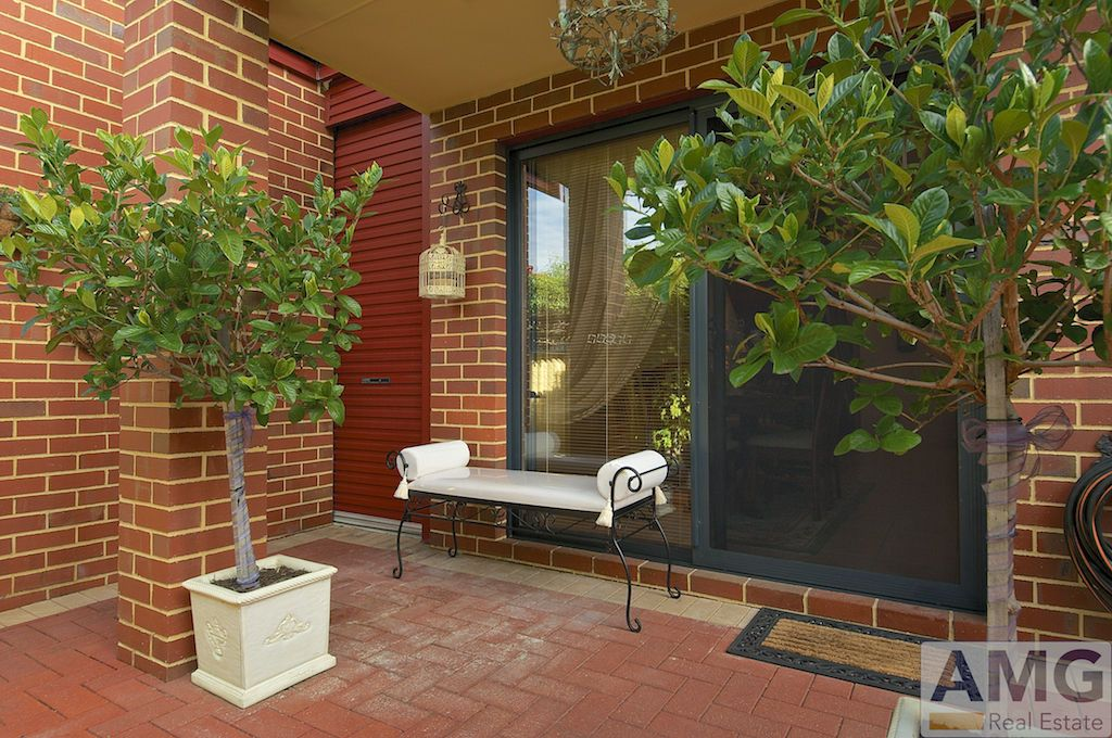 1/4 Wilkinson Street, Fremantle WA 6160, Image 2