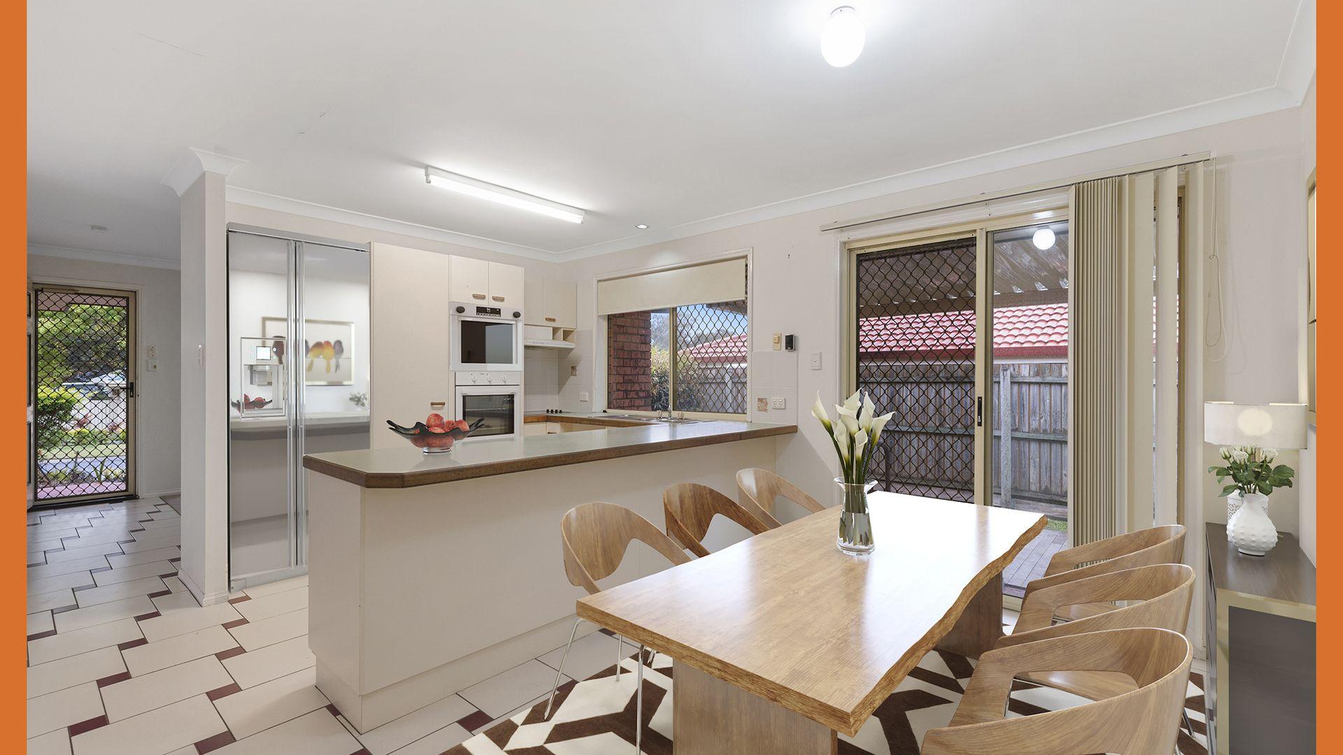 10 Stretton Court, Heritage Park QLD 4118, Image 2