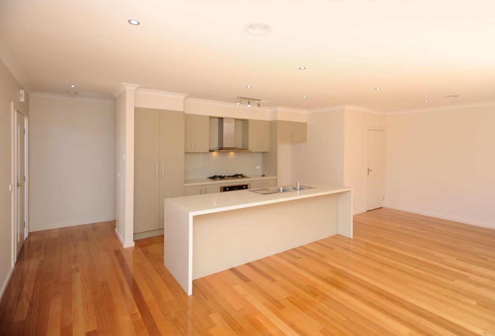 2/526 Ryrie  Street, East Geelong VIC 3219, Image 2