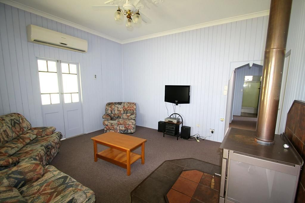 18 Lister St, Monto QLD 4630, Image 1