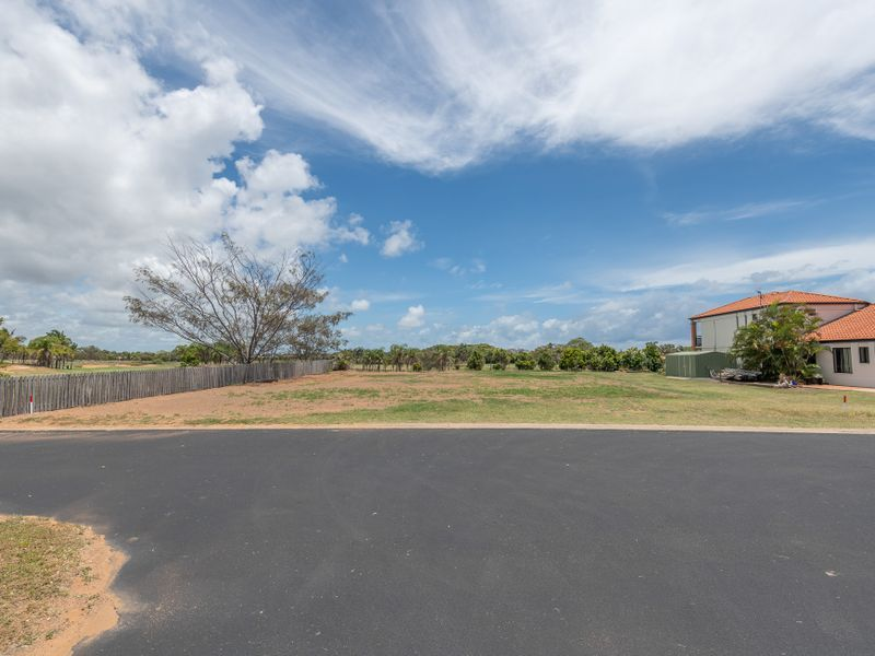 30 Chantelle Circuit, Coral Cove QLD 4670, Image 2
