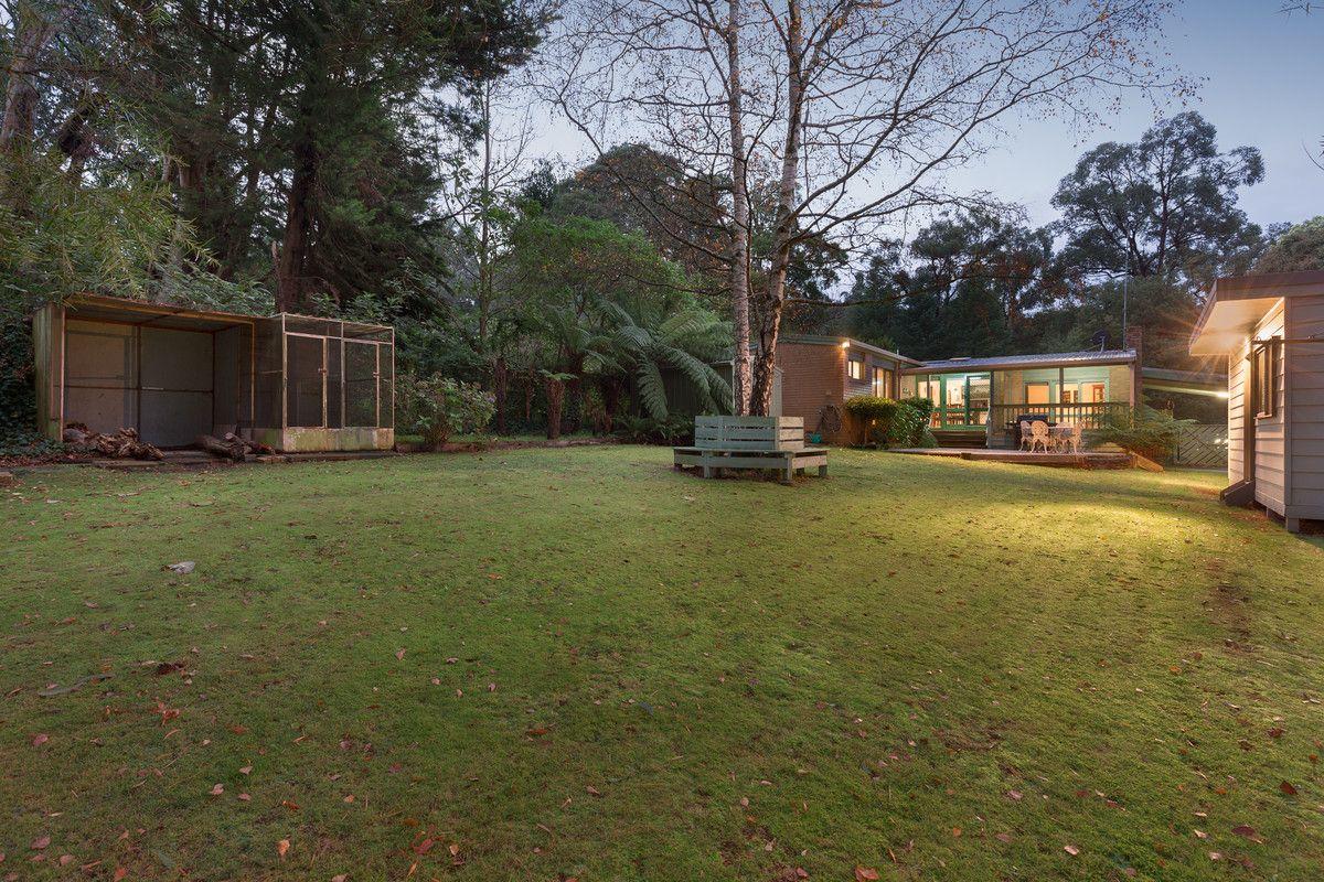 8 Glen Road, Cockatoo VIC 3781