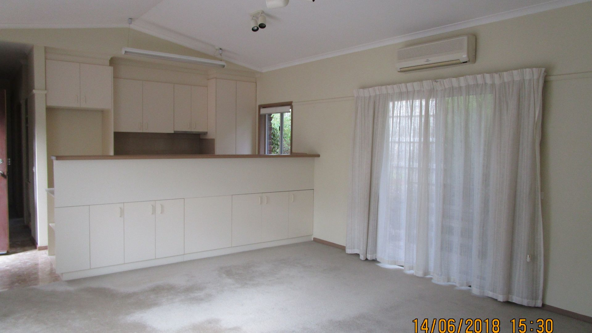 8B Pioneer Court, Wheelers Hill VIC 3150, Image 2