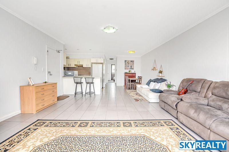 8/213 William Street, Granville NSW 2142, Image 2