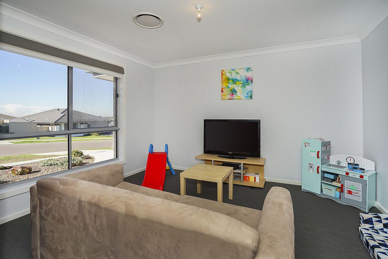 8 Cornwell Street, Thornton NSW 2322, Image 1