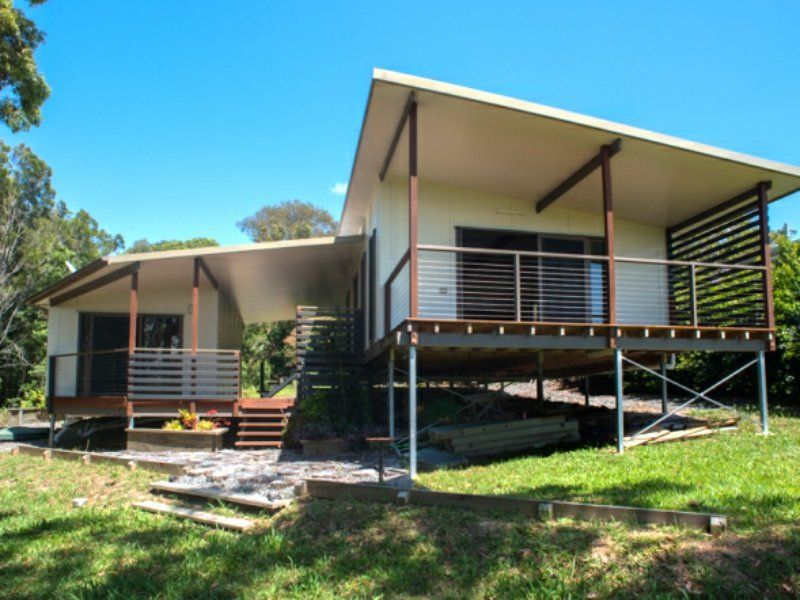 18 Cowes Street, MacLeay Island QLD 4184, Image 0