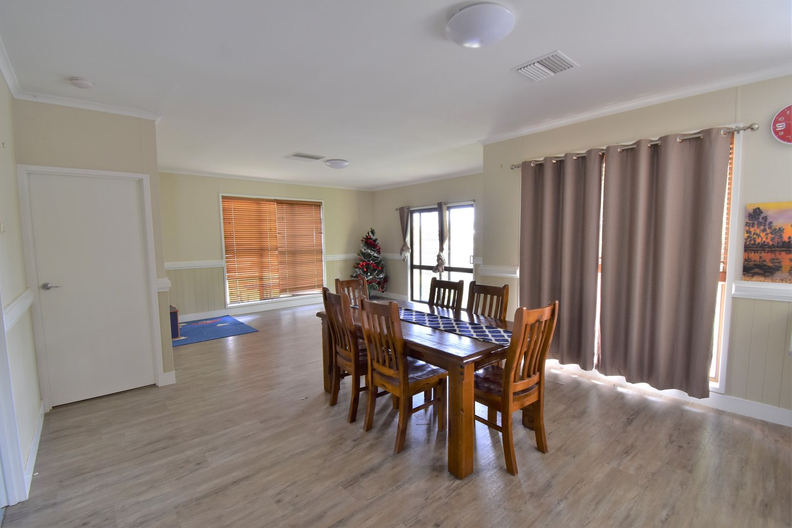 36 Crane Street, Longreach QLD 4730, Image 2