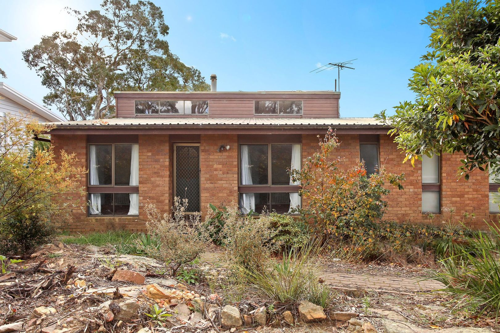 10 Grandview Parade, Hill Top NSW 2575, Image 2