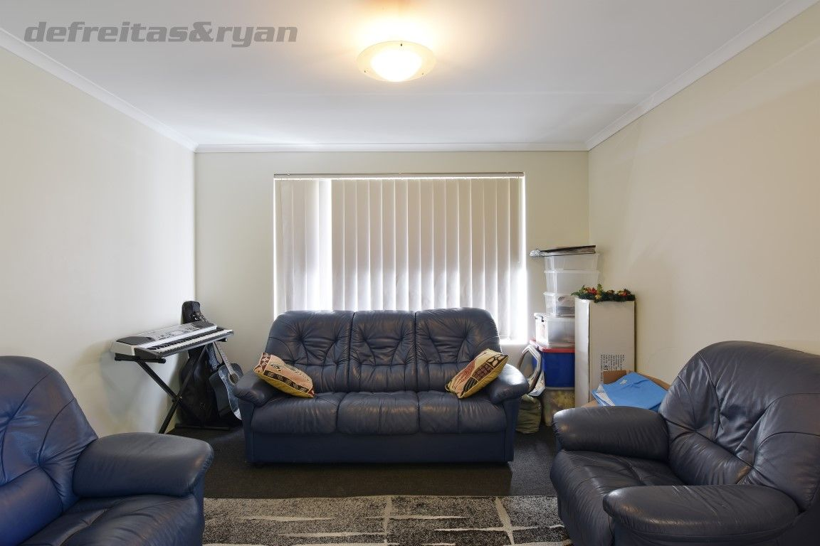 8 Butterfly Loop, Success WA 6164, Image 1